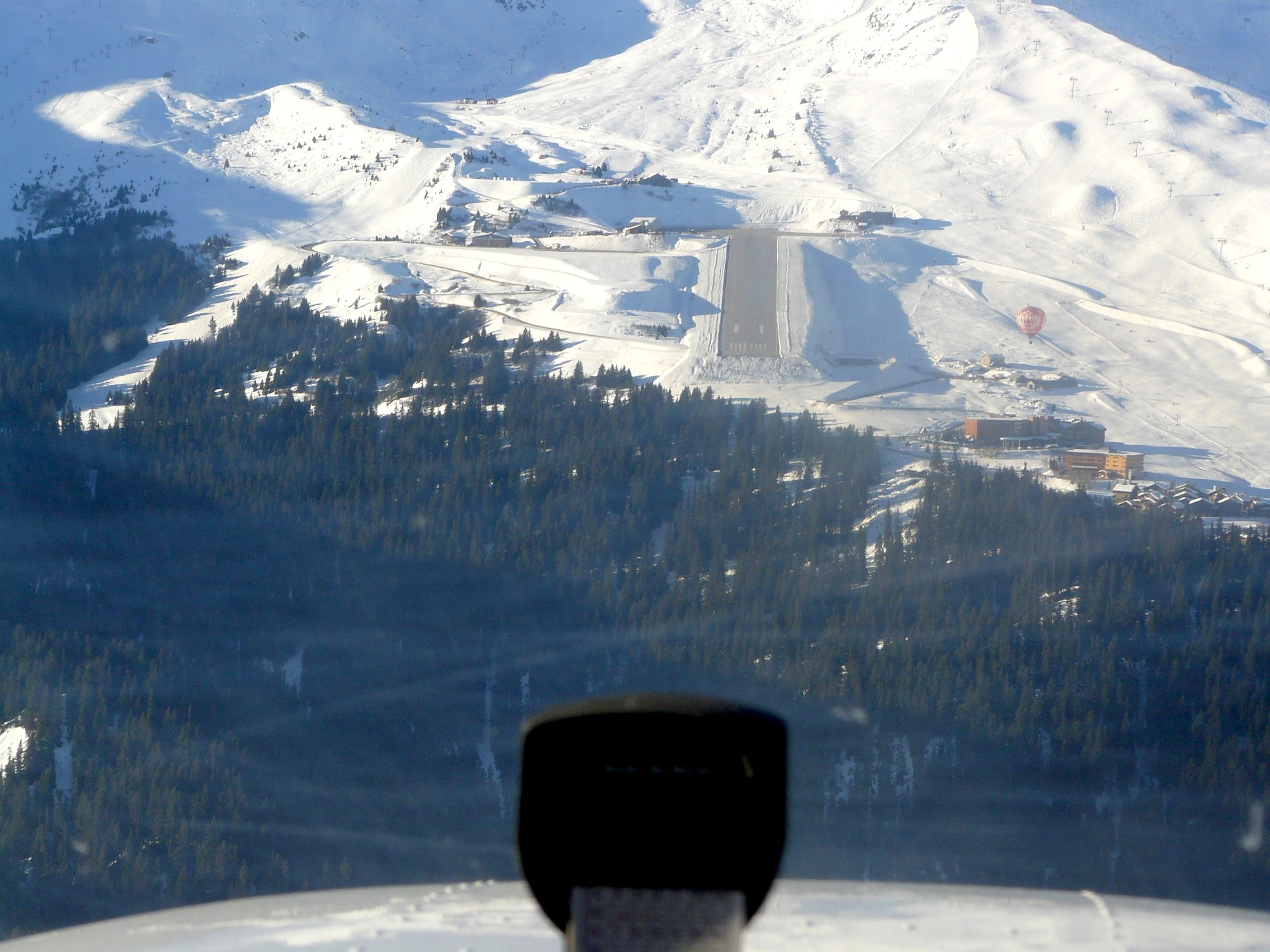 Aéroport de Courchevel, France