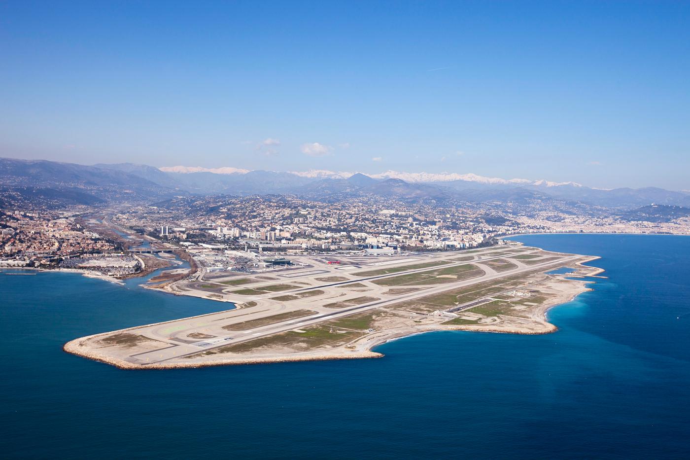 3. Aéroport de Nice Côte d'Azur, France