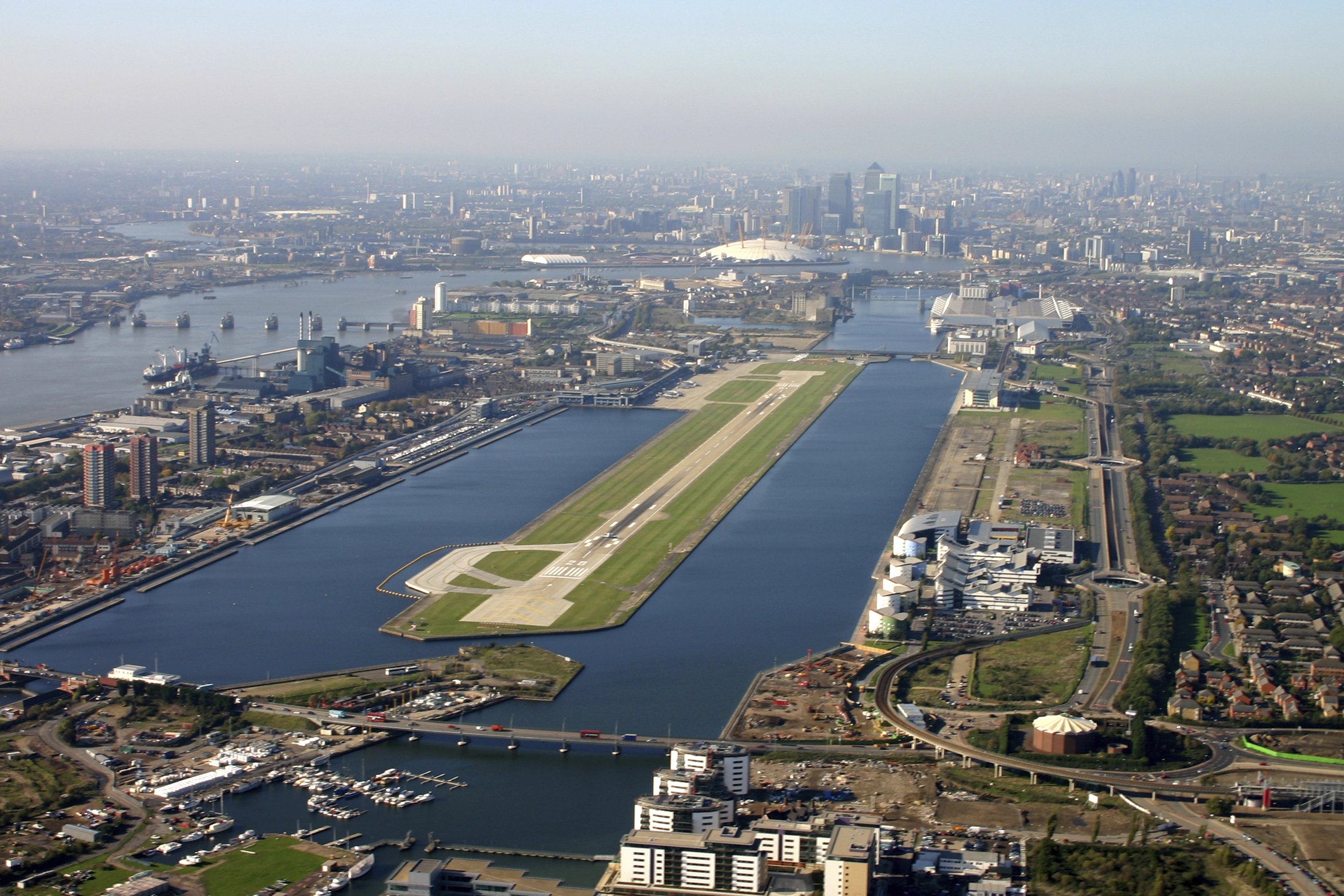 9. London City Airport, Royaume Uni
