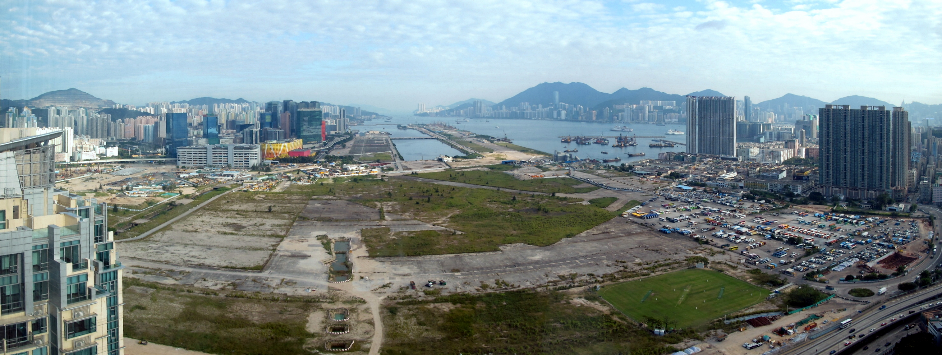 Aéroport international de Kai Tak, Hong Kong