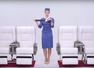 100 ans d'uniformes d'hotesses de l'air