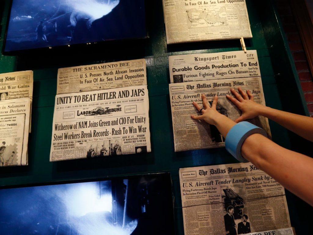 Journaux dans une exposition au Musée national de la Seconde Guerre mondiale. - Occuper ses enfants pendant le confinement